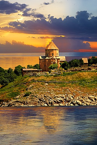 10th century Armenian Orthodox Cathedral of the Holy Cross on Akdamar Island, Lake Van, Turkey