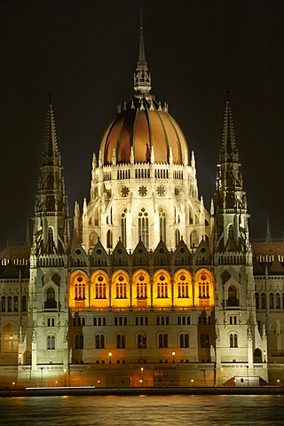 Hungarian Parliment building at night, Budapest, Hungary, Europe