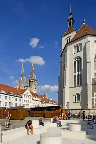 Neupfarrkirche or New Parish Church in front of St. Peter's Cathedral, Regensburg, Upper Palatinate, Bavaria, Germany, Europe