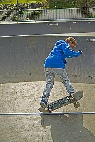 Twelve-year-old skater, Lohserampe skateboard track in Cologne, North Rhine-Westphalia, Germany, Europe, PublicGround