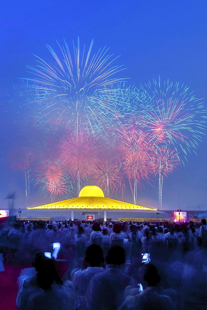 Fireworks behind the Chedi Mahadhammakaya Cetiya of the Wat Phra Dhammakaya temple, Khlong Luang District, Pathum Thani, Bangkok, Thailand, Asia