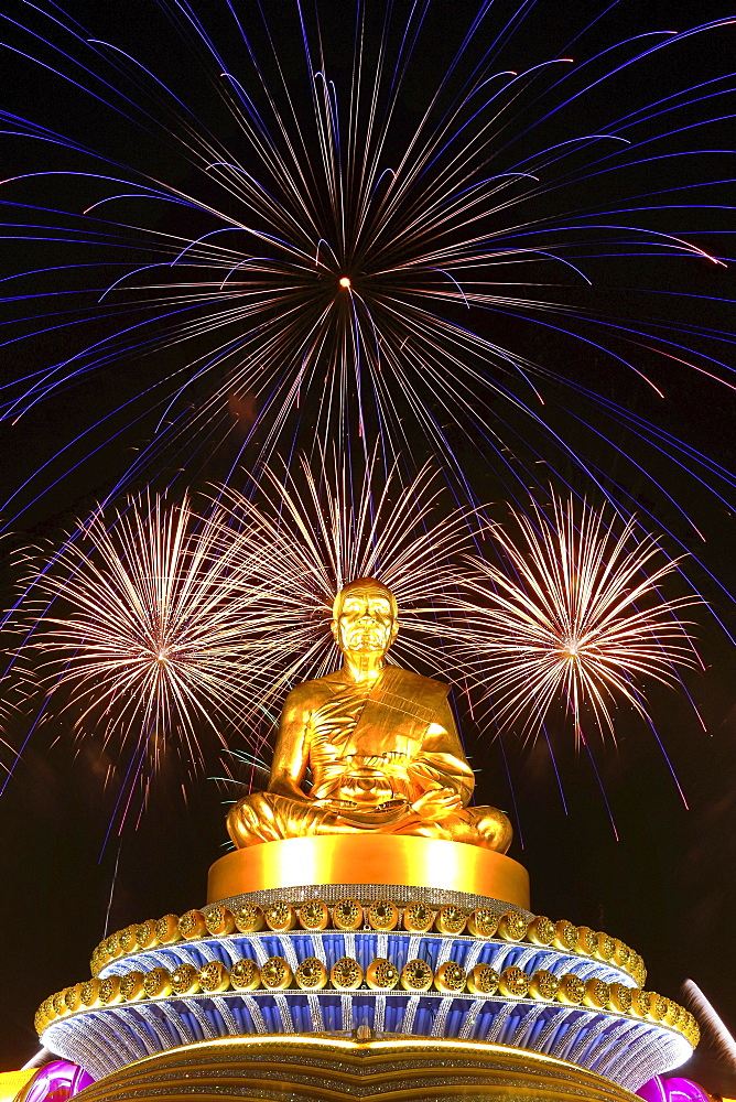 Fireworks at the Wat Phra Dhammakaya temple, Golden statue of Phra Mongkol Thepmuni, Phramongkolthepmuni, Khlong Luang District, Pathum Thani, Bangkok, Thailand, Asia