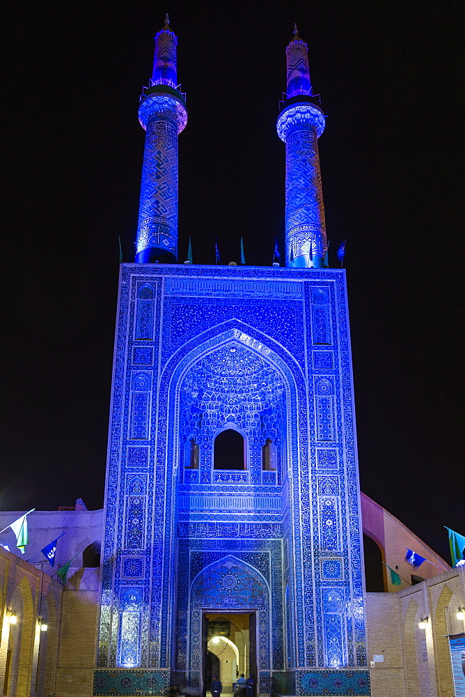Masjed-e Jameh, or Jameh Mosque, at night, Yazd, Iran, Asia