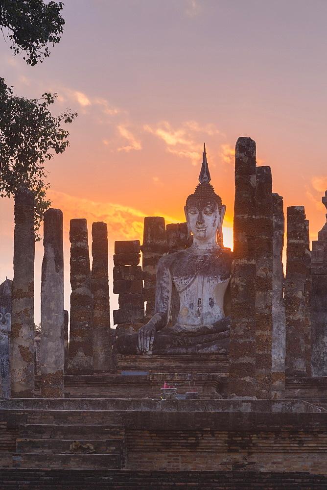 Wat Mahatat, Sukhothai historical park, Sukhothai, Thailand, Asia