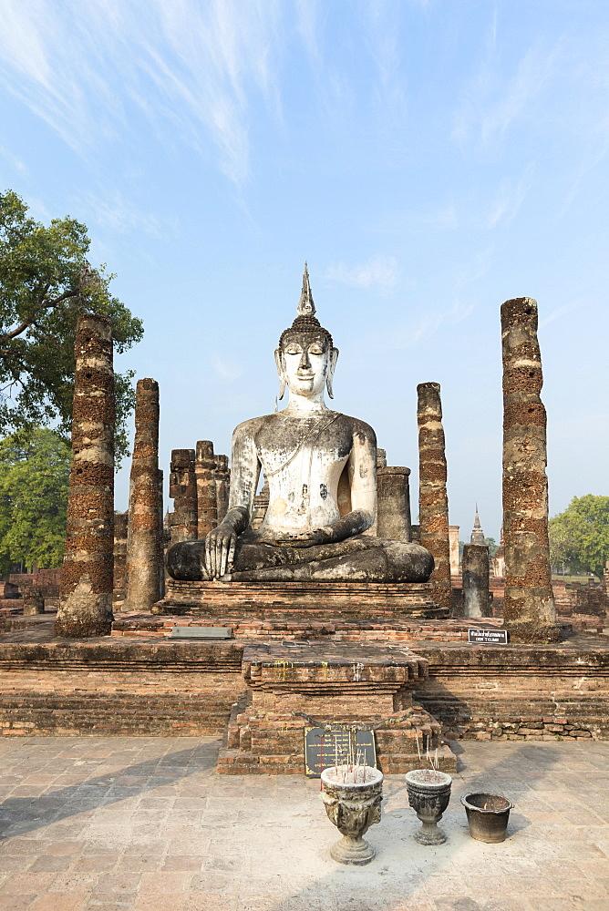Seated Buddha statue at Wat Mahathat, Sukhothai historical park, Sukhothai, Thailand, Asia