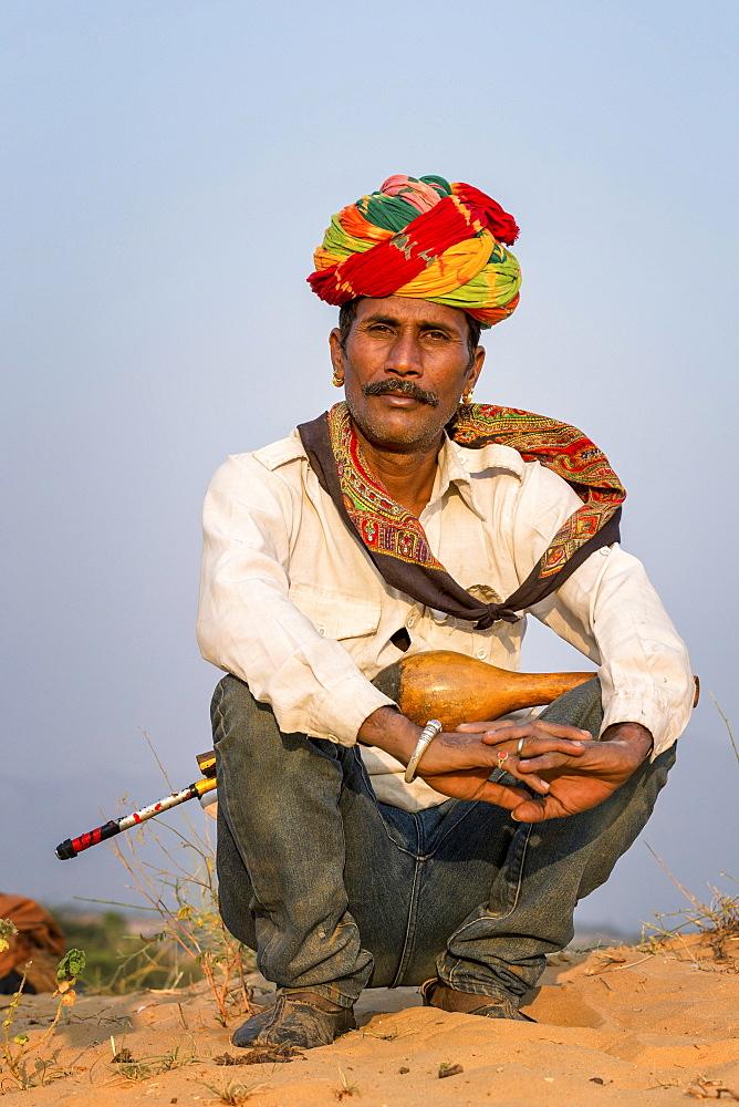 Snake charmer at Pushkar, Rajasthan, India, Asia