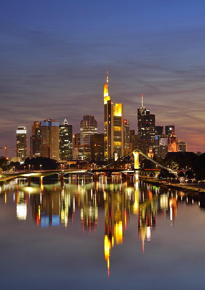 Skyline at night, TaunusTurm, Tower 185, Commerzbank, Messeturm, ECB, European Central Bank, Helaba, Landesbank Hessen, Deutsche Bank, Frankfurt Cathedral, Flosserbrucke bridge, Frankfurt am Main, Hesse, Germany, Europe