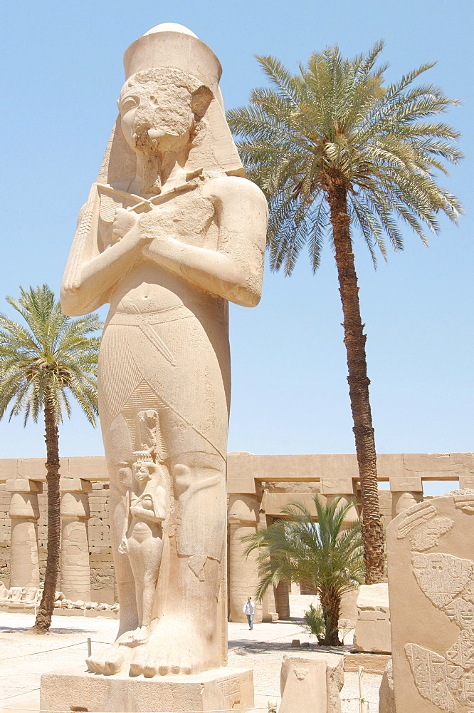 Statue of Ramses II with his daughter Meritamen, Karnak Temple Complex, Thebes, El-Karnak, Luxor, Egypt, Africa