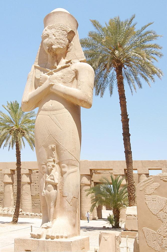 Statue of Ramses II with his daughter Meritamen, Karnak Temple Complex, Thebes, El-Karnak, Luxor, Egypt, Africa - 832-382951