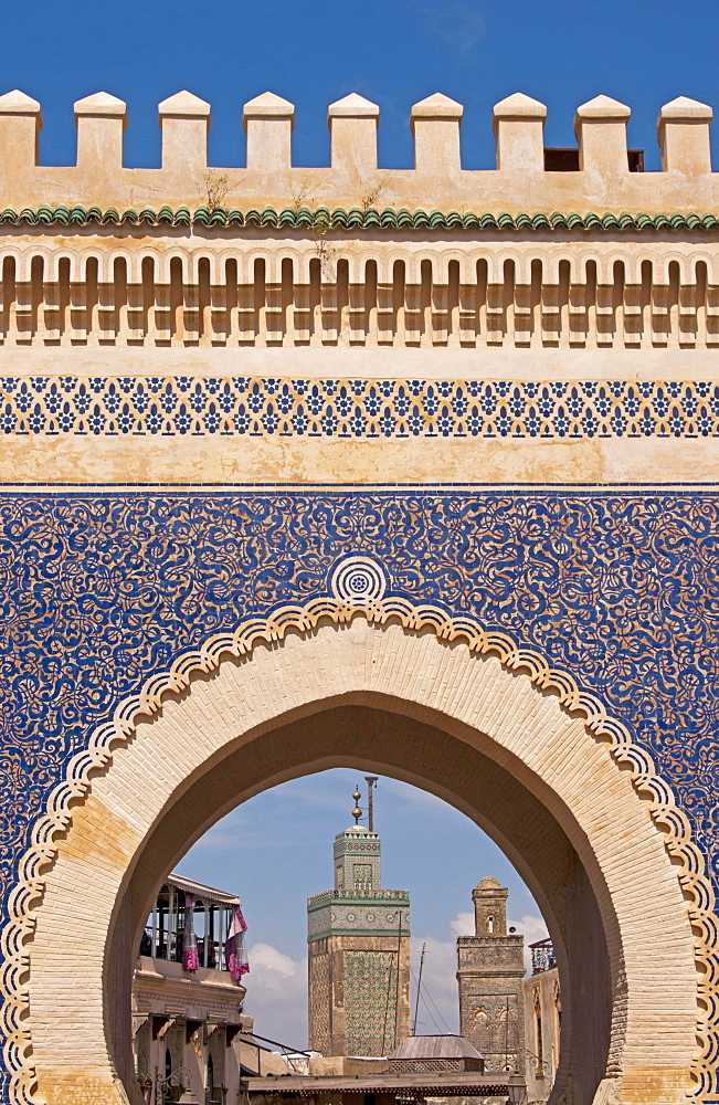 Bab Boujeloud, the gateway to the historic town centre or Medina, UNESCO World Cultural Heritage Site, Fes, Province of Fes, Morocco, Africa