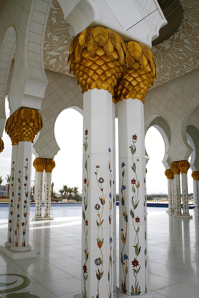 Decorated columns in Sheikh Zayed Mosque, Abu Dhabi, Emirate of Abu Dhabi, United Arab Emirates, Asia - 832-383504