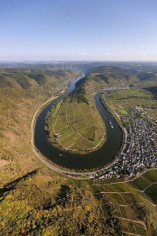 Aerial view, loop of the Moselle River near Bremm, Bremm, Eifel mountain range, Rhineland-Palatinate, Germany, Europe