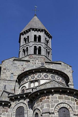 Saint Nectaire, 12th century Romanesque church, Parc Naturel Regional des Volcans d'Auvergne, Auvergne Volcanoes Regional Nature Park, Puy de Dome, France, Europe