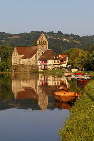 Beaulieu sur Dordogne, Dordogne valley, Correze, Limousin, France, Europe