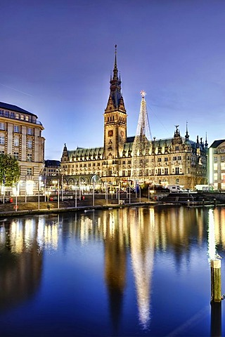 City Hall with Christmas Market in Hamburg, Germany, Europe