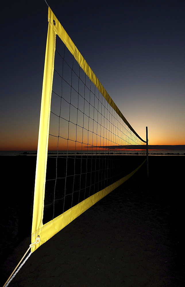 Volleyball net on the beach, Ahrenshoop, Baltic Sea, Mecklenburg-Western Pomerania, Germany, Europe