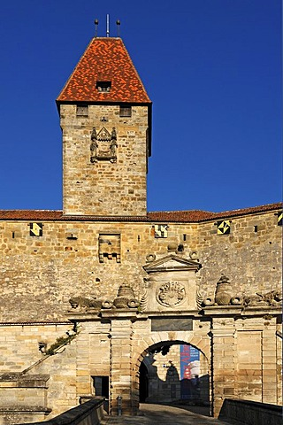 Veste Coburg castle with entrance gate and Bulgarenturm tower, mentioned in documents in 1225, triple castle ring, early 15th century, Veste Coburg 1, Coburg, Upper Franconia, Bavaria, Germany, Europe