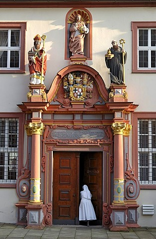 Renaissance portal with the figures of St. Boniface, Jesus Christ and St. Benedict of Nursia, convent building of the former Benedictine monastery at Fulda Cathedral, Cathedral of St. Salvator, Fulda, Hesse, Germany, Europe