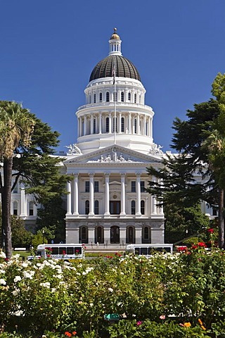 California State Capitol, seat of the legislature and the governor of California, Sacramento, California, USA, North America