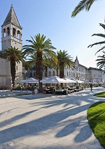 Riva promenade and palazzo, historic centre of Trogir, UNESCO World Heritage Site, Split region, central Dalmatia, Dalmatia, Adriatic coast, Croatia, Europe, PublicGround