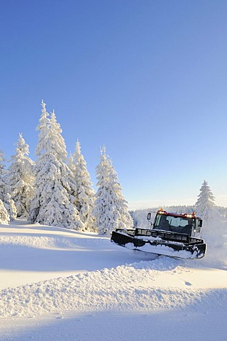 Snow groomer, Feldberg mountain, southern Black Forest, Black Forest, Baden-Wuerttemberg, Germany, Europe