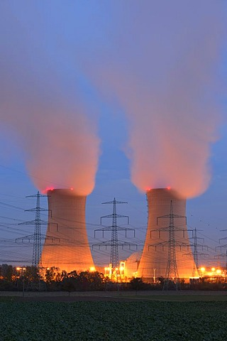 Cooling towers of the Grafenrheinfeld E.ON nuclear power plant, Schweinfurt, Bavaria, Germany, Europe