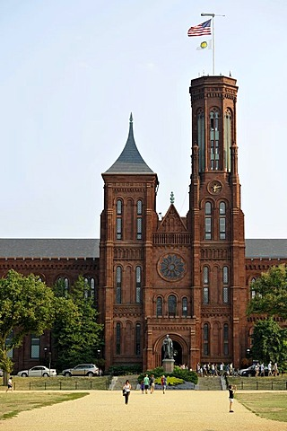 "Smithsonian Institution Building, popularly known as ""the Castle"", museum and admin building, National Mall, Washington DC, District of Columbia, United States of America, USA, PublicGround"