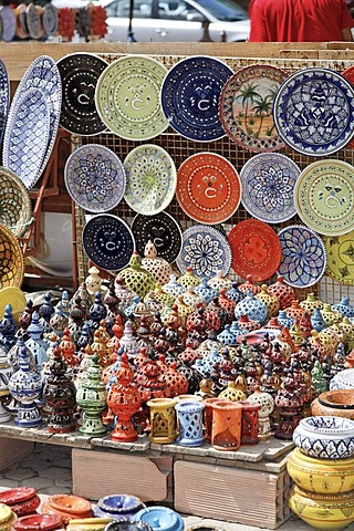 Pottery, ceramic pots on the market in Houmt Souk on Djerba Island, Tunisia, North Africa, Northern Africa, Africa