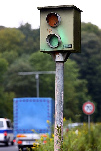 Sabotage, speed camera damaged by a paint attack, on the federal road B227, Wuppertaler Strasse, in a 70 kilometers per hour speed-limit zone, Essen, North Rhine-Westphalia, Germany, Europe