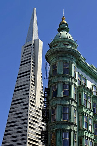 Transamerica Pyramid, skyscraper, behind the Columbus Tower, also known as Sentinel Building, Financial District, San Francisco, California, United States of America, USA, PublicGround