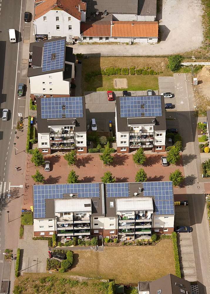 Aerial view, Kreulshof housing complex with solar roofs, Bottrop-Boy, Ruhr area, North Rhine-Westphalia, Germany, Europe