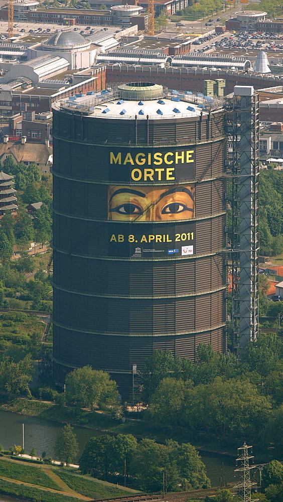 Aerial view, Neue Mitte district, Centro development, Gasometer building, Oberhausen, Ruhr area, North Rhine-Westphalia, Germany, Europe