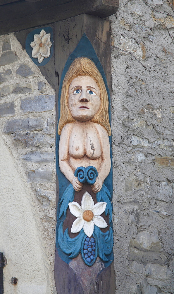 Female figure as a decoration on a half-timbered house in the historic town centre of Bad Wimpfen, Neckartal, Baden-Wuerttemberg, Germany, Europe