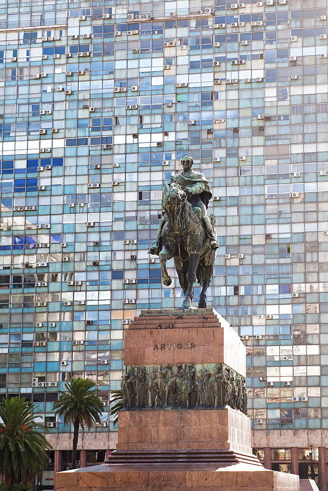 Jose Artigas equestrian statue, Plaza Independencia, Montevideo, Uruguay, South America