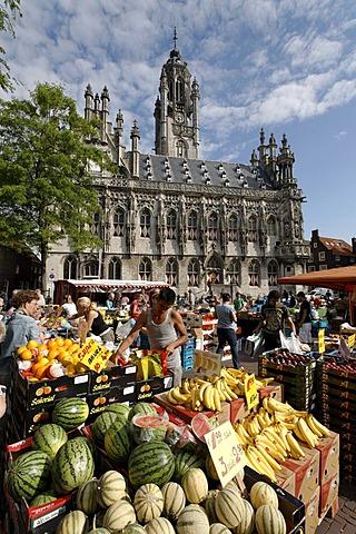 Farmers market in front of the historic town hall in Middelburg, Walcheren, Zeeland, Netherlands, Europe