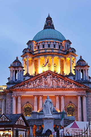 Statue of Queen Victoria in front of City Hall, Belfast, Northern Ireland, Ireland, Great Britain, Europe, PublicGround