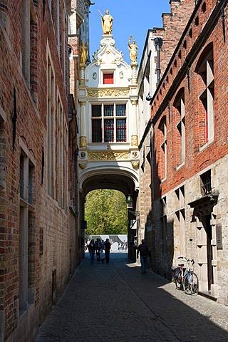 Blinde Ezelstraatje, street of the blind donkey, historic centre of Bruges, Unesco World Heritage Site, Belgium, Europe