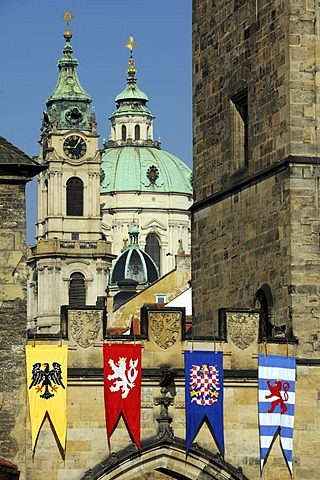 Coat of arms on the Charles Bridge, looking towards the Mala Strana district, Prague, Bohemia, Czech Republic, Czech Republic, Europe