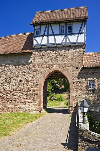 Castle gatehouse, Hirschhorn, Neckartal-Odenwald Nature Reserve, Hesse, Germany, Europe
