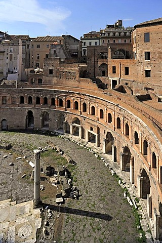 Trajan's Market with Tabernae or single room shops, Via Alessandrina, Via dei Fori Imperiali, Rome, Lazio, Italy, Europe