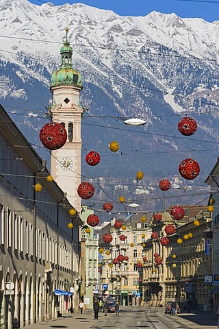 Maria Theresien Strasse street with Servitenkirche church, Innsbruck, Tyrol, Austria, Europe