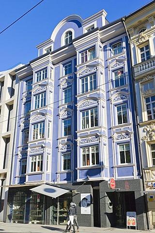 Maria Theresien Strasse street, Innsbruck, Tyrol, Austria, Europe