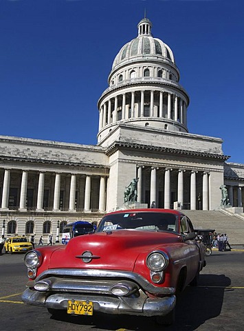 American vintage car in front of the Capitol, Havana, Cuba, Latin America