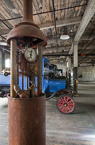 An unrestored 1918 Wayne Model 276 gasoline pump at The Ford Piquette Avenue Plant, now the Model T Automotive Heritage Complex or T-Plex museum for Model Ts and other vintage cars, Detroit, Michigan, USA, America