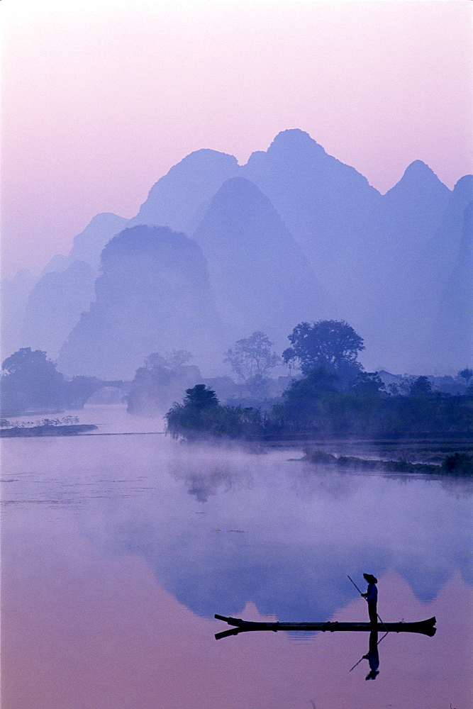 Typical scenery of limestone mountains and River Li at dawn, Guilin, Yangshou, Guangxi Province, China, Asia - 834-1154