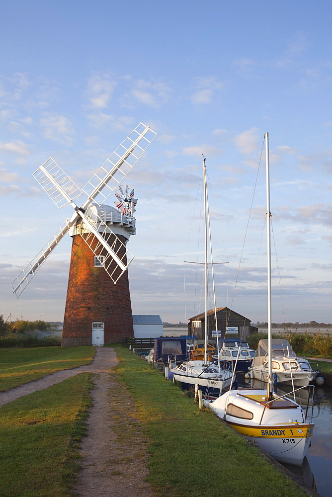 Horsey Mill, Norfolk Broads, Norfolk, East Anglia, England, United Kingdom, Europe