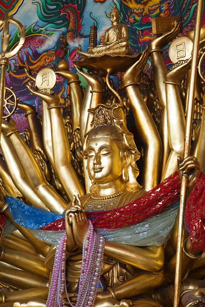 Chinese statue, Wat Phanan Choeng, Ayutthaya, Thailand, Southeast Asia, Asia