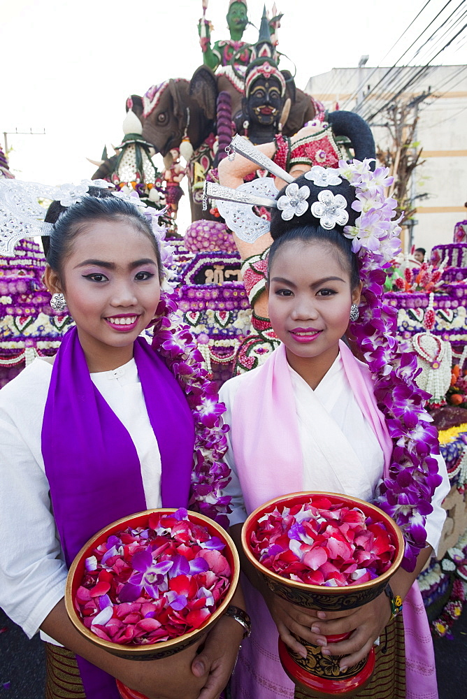 Children in traditional Thai dress, Chiang Mai Flower Festival, Chiangmai, Thailand, Southeast Asia, Asia