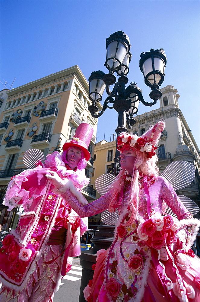 Street performers, Las Ramblas, Barcelona, Catalonia, Spain, Europe