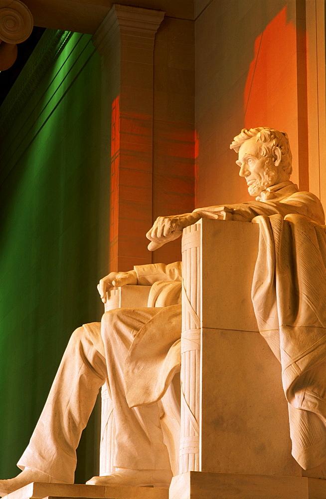 Lincoln statue, Lincoln Memorial, Washington, DC, United States of America, North America